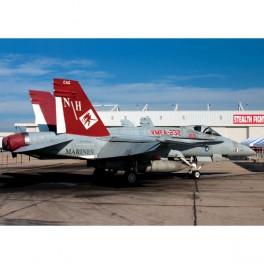 Academy Avión USMC F/A 18A+ VMFA-232 Red Devils LE 1/72