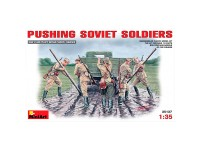 Figuras Pushing Soviet Soldiers 1/35
