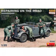 Coche+figuras Repairing on the Road Typ 170V